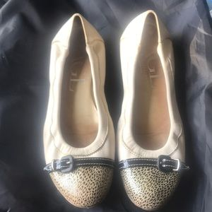 AGL slip on white flats leather size 37 used veroC